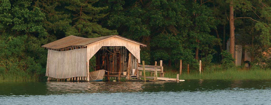 Boathouse on Davis Creek